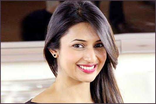 Interview, Divyanka Tripathi, crush, Sonu Sood