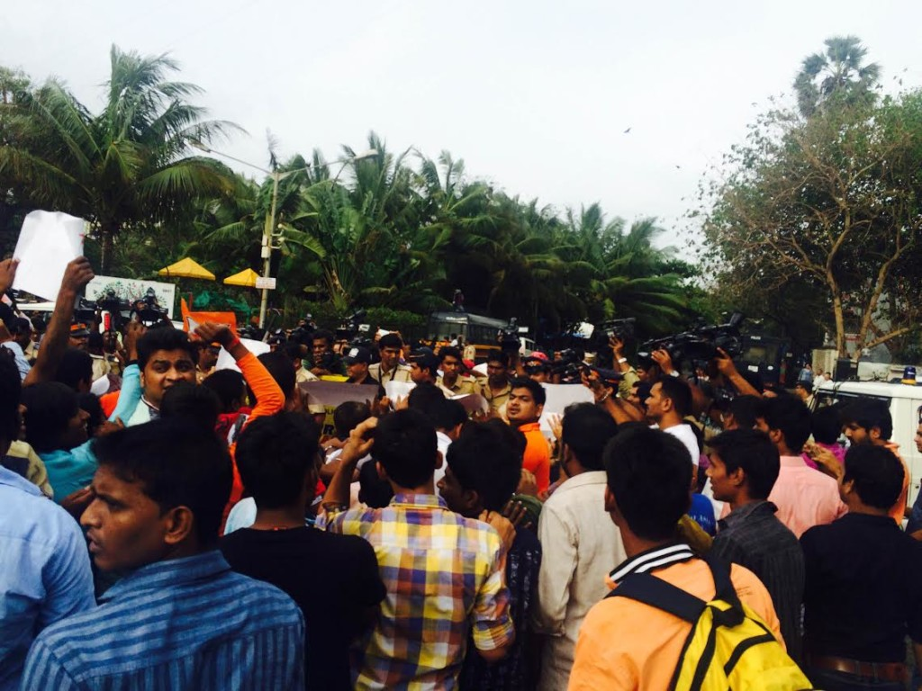 Salman Khan apologizes just after BJP protest outside Galaxy Apartment | See exclusive Pictures
