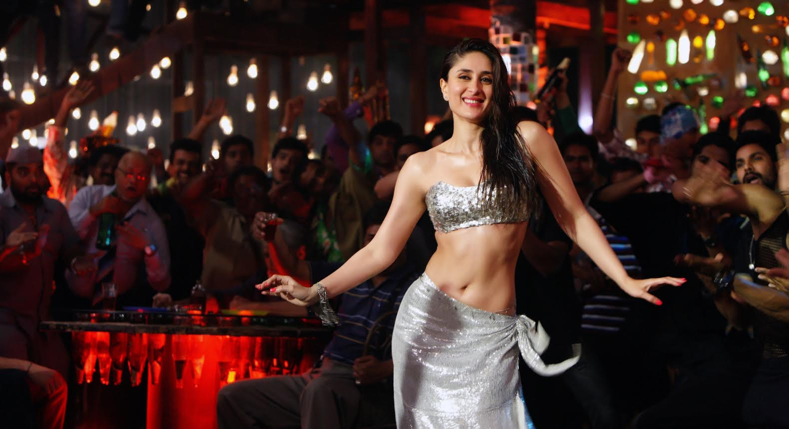 Kareena kapoor, sexy avatar, Mary
