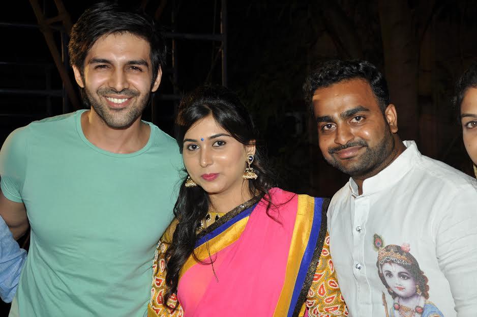 Kartik Aaryan, crazy, female fan, Janmashtami
