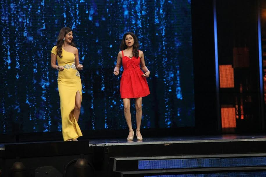 Shamita Shetty, Shilpa Shetty, Baras Ja Ae Badal, Super Dancer