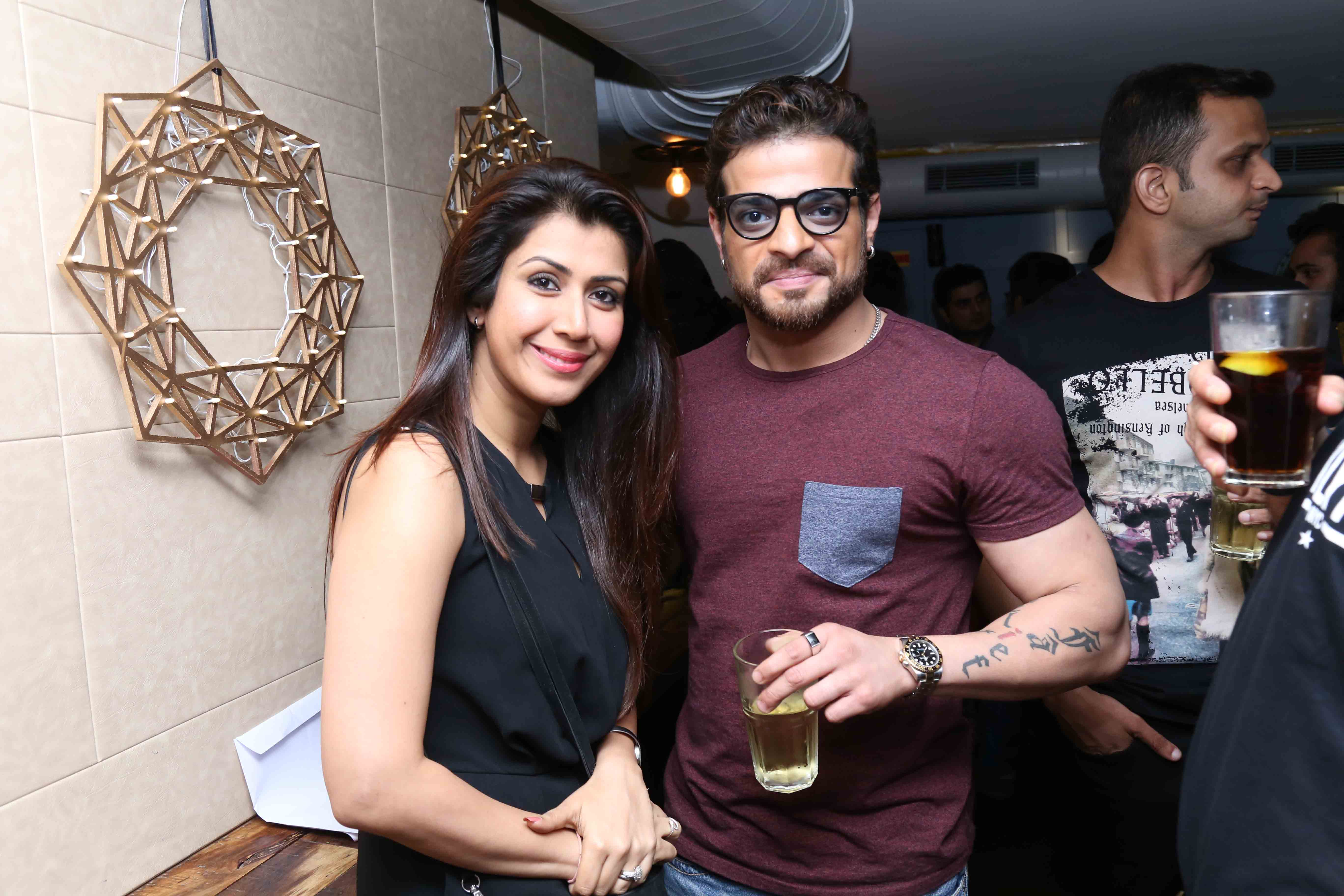Mumbai, Retro-Only, Bar 'Door No.1'