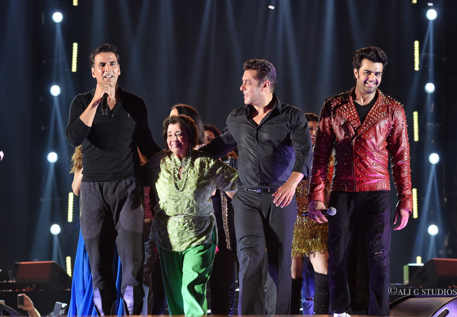 Maniesh Paul,performances,DaBang Tour