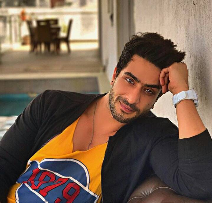 world yoga day, aly goni