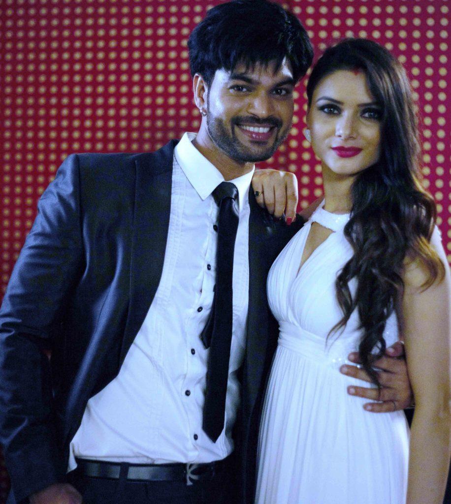 Actress Sezal Sharma intimate scene with Yuvraj Parashar in Love Life and Screw Ups