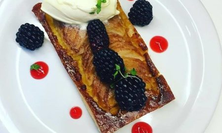 apple strawberry jell, blackberries, Crème fraîche, French dessert, recipe, Apple Tart,
