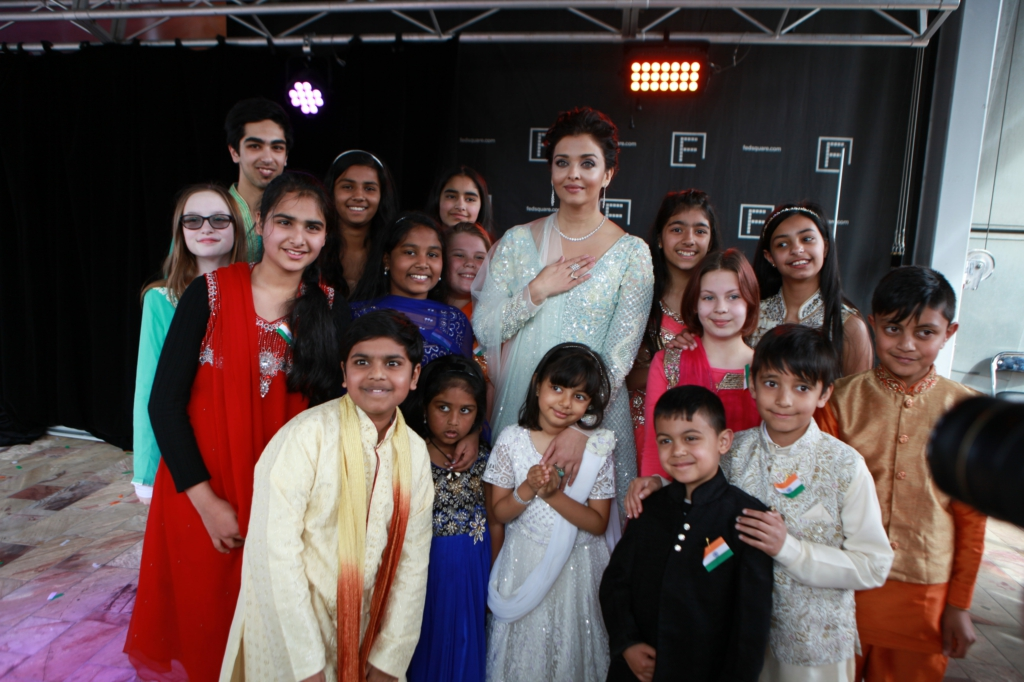 Aaradhya and Aishwarya Rai Bachchan with kids at IFFM 2017 flag hoisting ceremony.