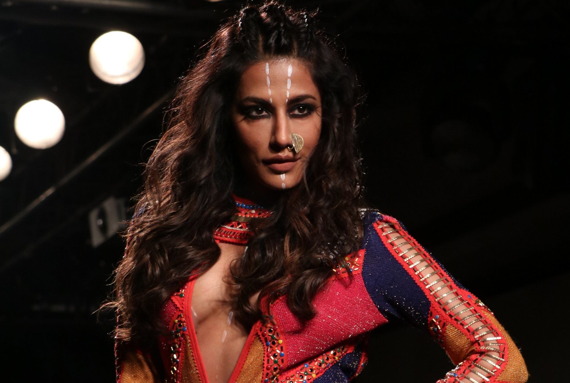 Chitrangada Singh, showstopper, Neha Agarwal, Lakme Fashion Week 2017