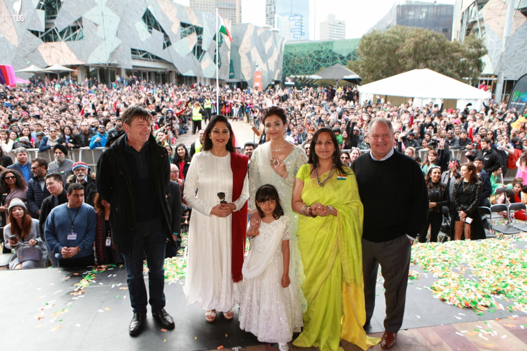 Simi Greawal Aishwarya Rai Bachchan Aaradhya and Mitu Bhowmick Lange at IFFM 2017 flag hoisting ceremony 1
