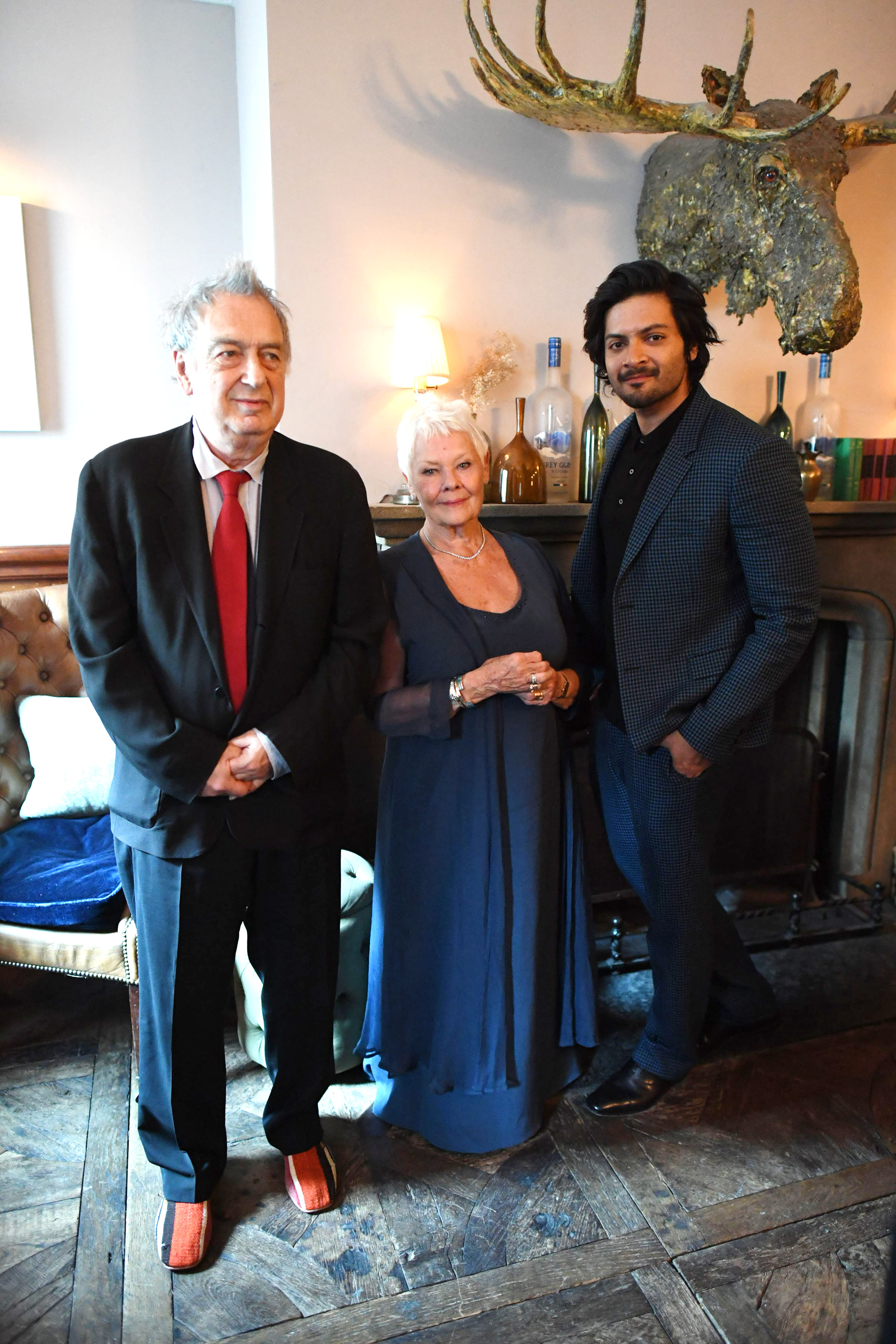 Stephen Frears Judi Dench and Ali Fazal
